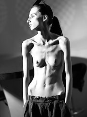 Slim and Thin Anorexic Beauties porn pics